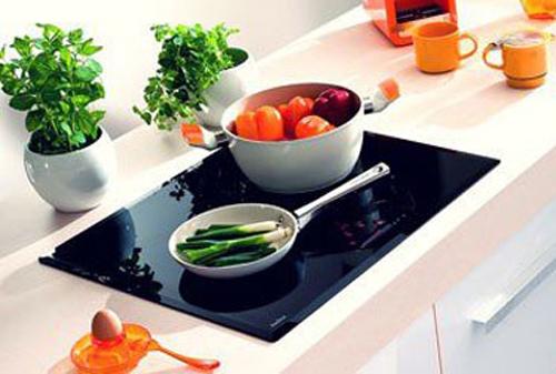Điều cần tránh khi dùng bếp từ 2 vùng nấu từ - GCI720SEI